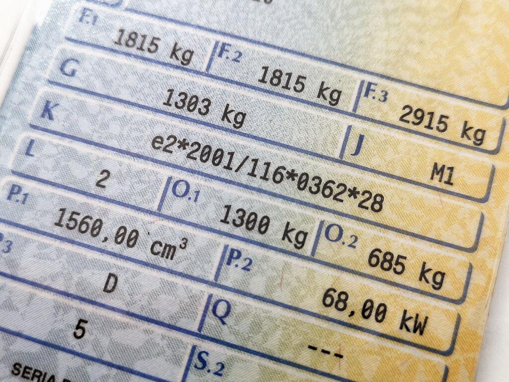 zdjęcie dowodu rejestracyjnego moc auta