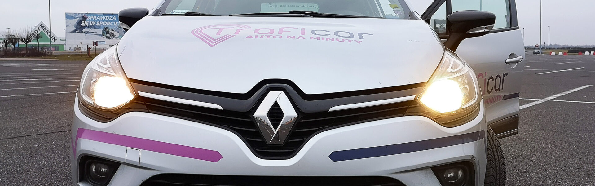 renault clio na minuty traficar carsharing