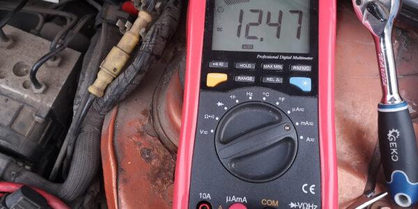 dopuszczalny pobór prądu w aucie