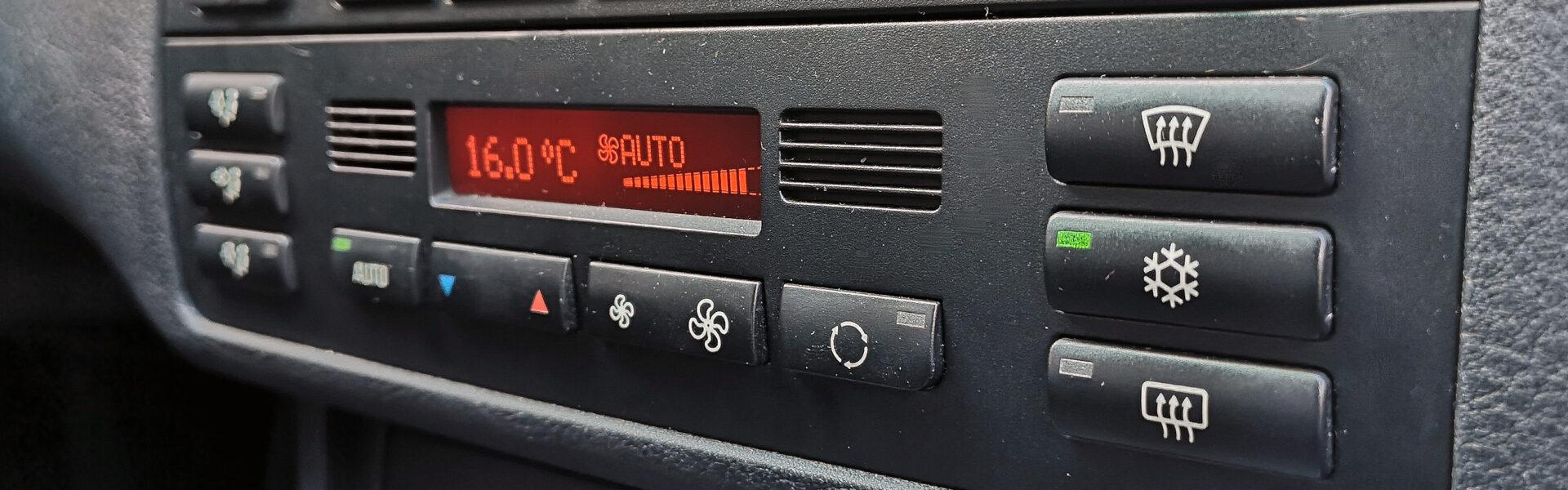 samodzielne odgrzybianie klimatyzacji samochodowej
